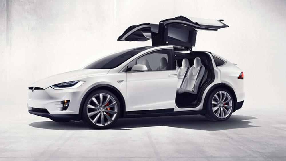 DRS-PR-content-marketing-w-motoryzacji-Tesla-X-i-S