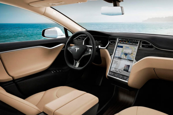 Tesla wyprzedza przyszłość i zwiastuje rewolucję